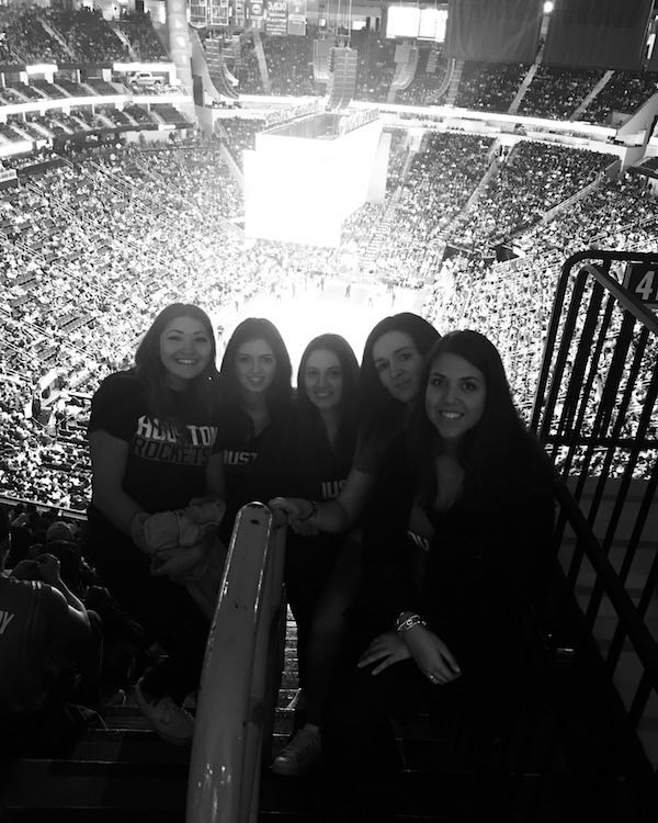 Spain girls at the Rockets game