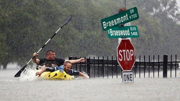 Rescue at Braesmont/Braeswood intersection