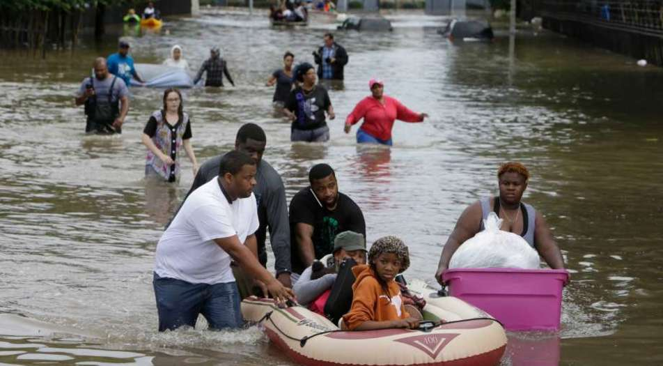 Crews Rescue Hundreds Houston Hurricane Harvey
