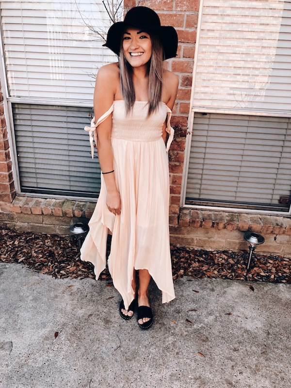 Maxi Dress Floppy Hat Spring Look